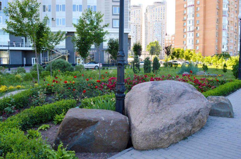 Фотография сада камней в Киеве